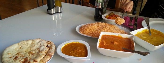 Sarita Indian Resturante is one of Albir.