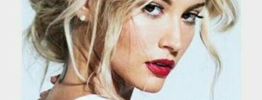 Hair World Bayan Kuaförü is one of UFuK•ॐ 님이 좋아한 장소.