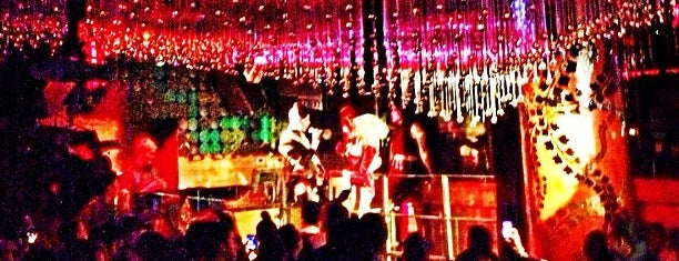 Greenhouse is one of NYC Gay Nightlife.