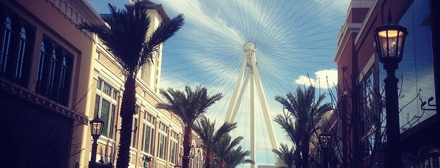 High Roller Observation Wheel is one of Locais curtidos por Cedric.