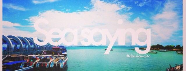 เกาะเสม็ด หาดทรายแก้ว is one of •B a r e F o o t•.