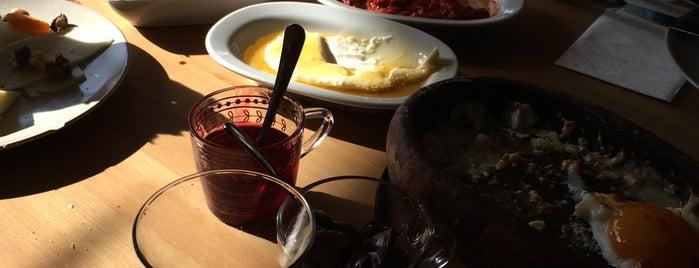 Kahvila Cafe is one of สถานที่ที่บันทึกไว้ของ 😎😎😎.