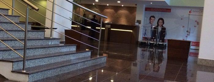 InterCity Premium Manaus is one of Locais curtidos por Reinier.