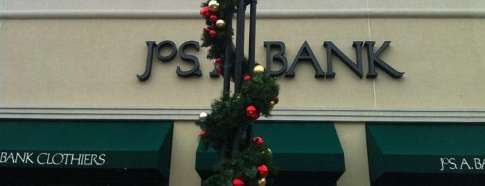 JoS. A. Bank is one of Tempat yang Disukai Paul.