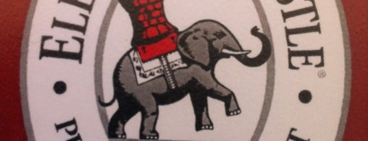 Elephant & Castle is one of Tempat yang Disukai Gwen.