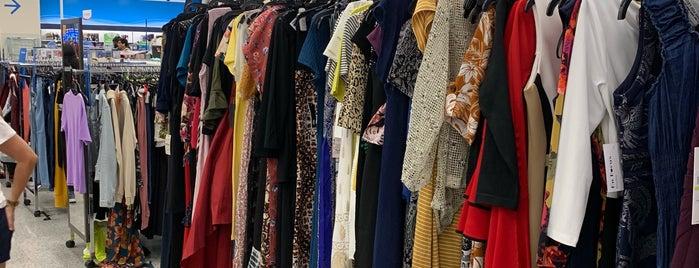 Ross Dress for Less is one of Orte, die Fernanda gefallen.