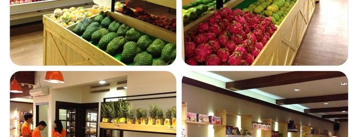 Apricot Fruit Store is one of What happens when food-addict strikes in Bandung.