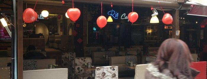 Cafe Mon Chér is one of สถานที่ที่ Burcu ถูกใจ.