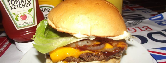 Fialho Steak Burger Hamburgueria is one of Locais curtidos por Thayanna.