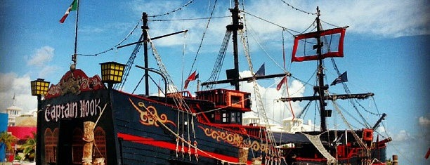 Capitan Hook is one of Orte, die Cristina gefallen.
