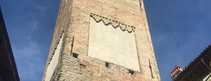 Neive Borgo Vecchio (Alta) is one of Lugares favoritos de Ico.