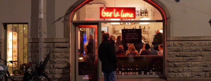 Bar La Lune is one of Locais curtidos por Marietta.