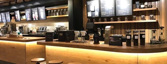 Starbucks Reserve is one of Teresa'nın Kaydettiği Mekanlar.