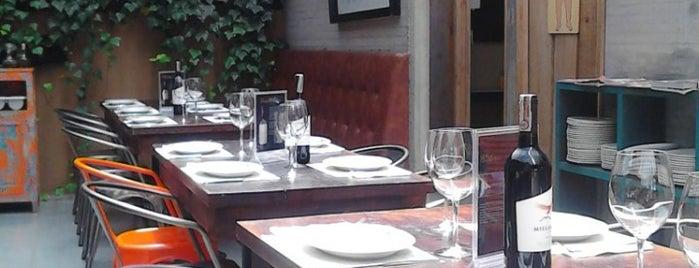 La social... inmigrantes is one of Restaurantes visitados.