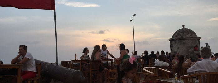 Café del Mar is one of Orte, die Vanessa gefallen.