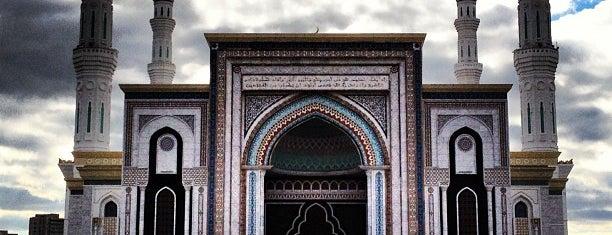 Әзірет Сұлтан мешіті / Мечеть Хазрет Султан / Hazrat Sultan Mosque is one of Lieux qui ont plu à Aigerim.