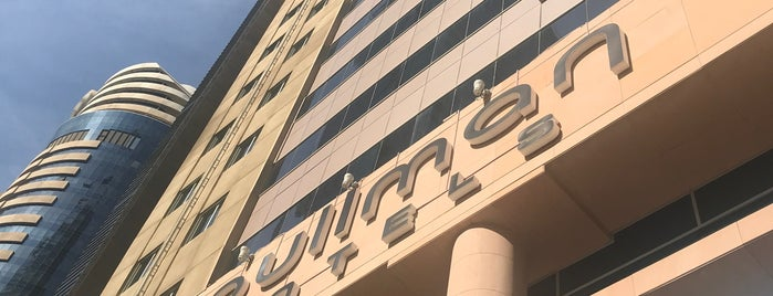 Pullman Dubai Jumeirah Lakes Towers-Hotel and Residences is one of สถานที่ที่ Dmitry ถูกใจ.