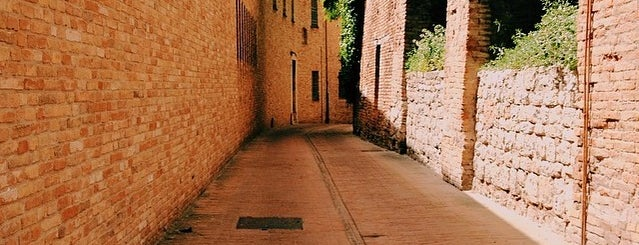 Magistero is one of Posti che sono piaciuti a Paolo.