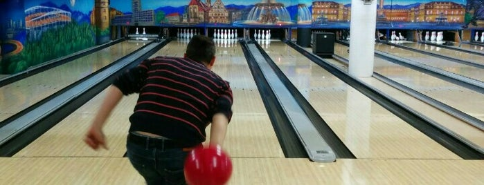 City Bowling Stuttgart is one of Adam 님이 저장한 장소.