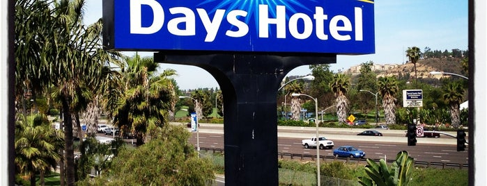 Days Inn San Diego Hotel Circle Near SeaWorld is one of Locais curtidos por Kristen.