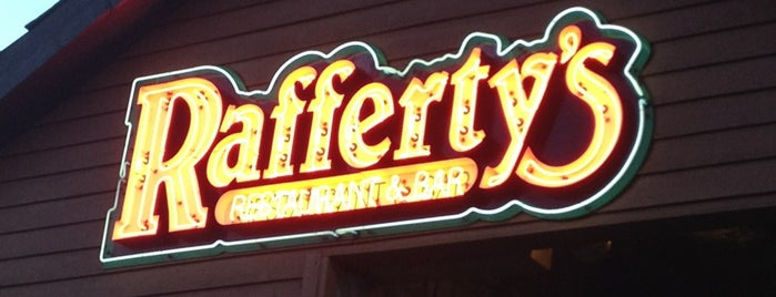 Rafferty's Restaurant & Bar is one of Gavinさんのお気に入りスポット.