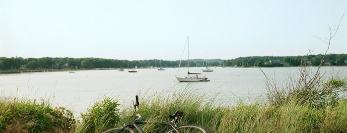 Silver Beach - Shelter Island is one of NYC Bucket List.
