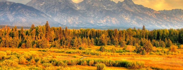 Parc national de Grand Teton is one of The 10 Best Fall Hiking Trails in the U.S..