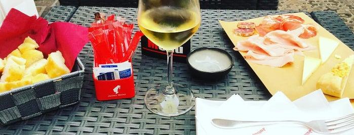 Locanda Ferrari is one of ristoranti.