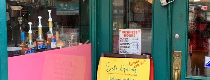 Fortuna Cafe is one of สถานที่ที่ Carl ถูกใจ.