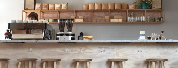 Elm Coffee Roasters is one of Lieux qui ont plu à Carl.
