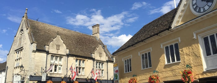 Tetbury is one of Daveさんのお気に入りスポット.