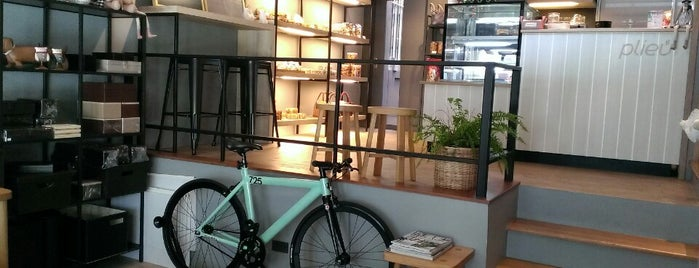Plieu cafe' is one of Weerapon 님이 좋아한 장소.