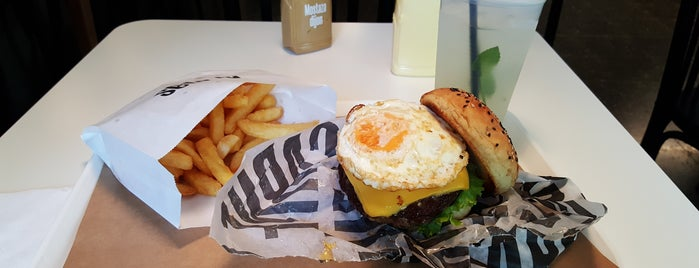 CARNE is one of Top 12 Burgers in Buenos Aires.