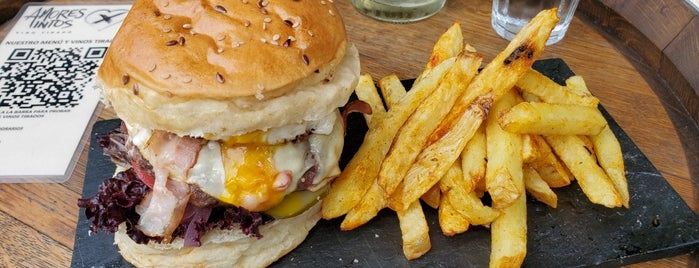 Amores Tintos is one of Top 12 Burgers in Buenos Aires.