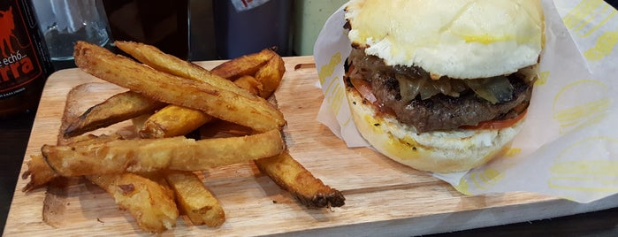 La Birra Bar is one of Top 12 Burgers in Buenos Aires.