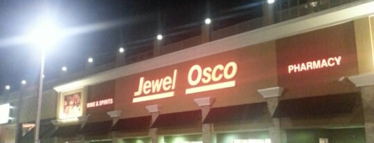 Jewel-Osco is one of Orte, die Andre gefallen.