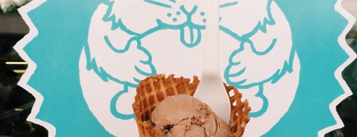 Fat Cat Creamery is one of Lugares favoritos de Britney.