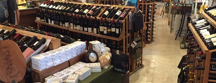 Madison Avenue Wine Shop is one of Lugares guardados de Ross.