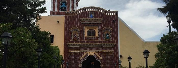 Templo de Santa María Tonantzintla is one of สถานที่ที่ Fernanda ถูกใจ.
