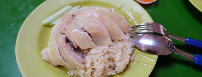 Tian Tian Hainanese Chicken Rice 天天海南鸡饭 is one of Singapore Casual Eating.