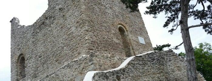 Ruine Mödling is one of Locais curtidos por Karl.