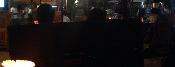 SambaSS Lounge Beach Café is one of Locais curtidos por Fabio.