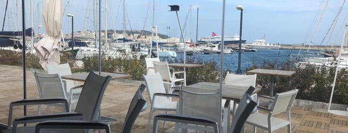 Marina Yacht Club is one of Ipek'in Kaydettiği Mekanlar.