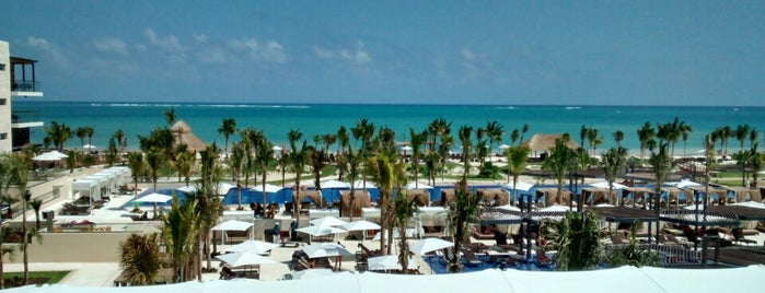 Royalton Riviera Cancún is one of Fernandoさんのお気に入りスポット.