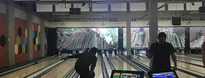 Mammoth Rock-N-Bowl is one of Azizさんのお気に入りスポット.