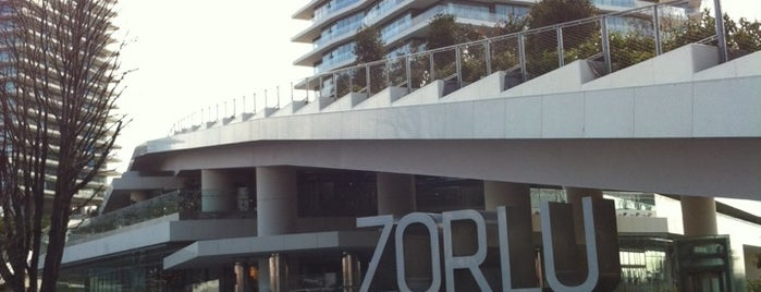 Zorlu Center Park is one of Tempat yang Disukai Erkan.