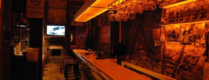 Sardunya's Brasserie Bomonti ve Şarap Evi is one of Izmir.