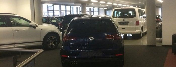 Volkswagen Automobile Frankfurt is one of Özgürcan 님이 좋아한 장소.