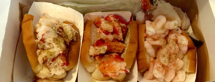 Luke's Lobster is one of chicago food.