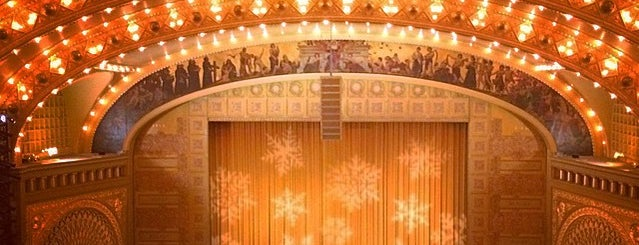 Auditorium Theatre is one of Bric à brac USA.